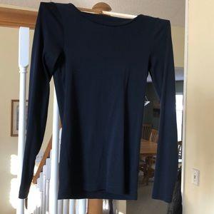 J Crew  Perfect Fit T-Shirt  Navy Size Medium EUC!